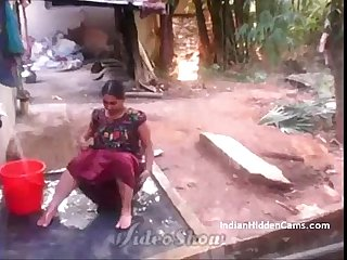 Desi Vilage Wife Open Bathing with regard to Topless Objurgative by Indian Hidden Cams