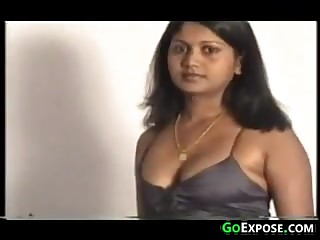 Indian Aunty Showing Gone Her Tits