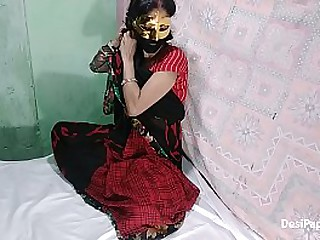 Indian style home sex anal relative to traditional Sari Indian couple gone wild